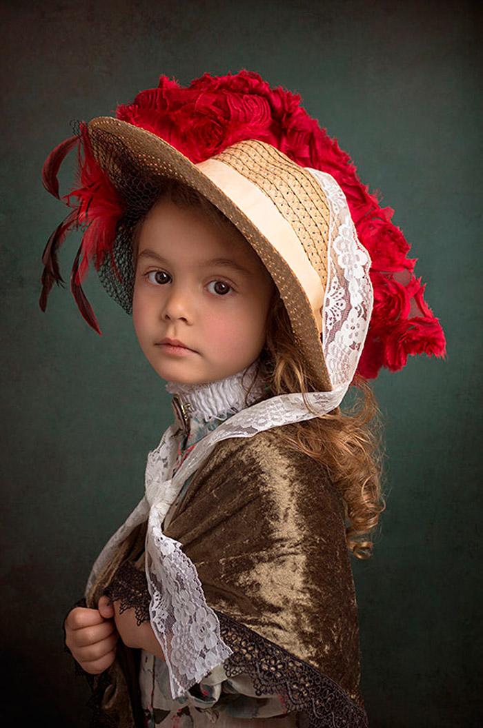 Фотографии девушек в костюмах 1 фотография