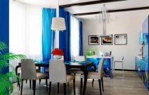 Маленький загородный дом. Гостиная-столовая в стиле средиземноморье.